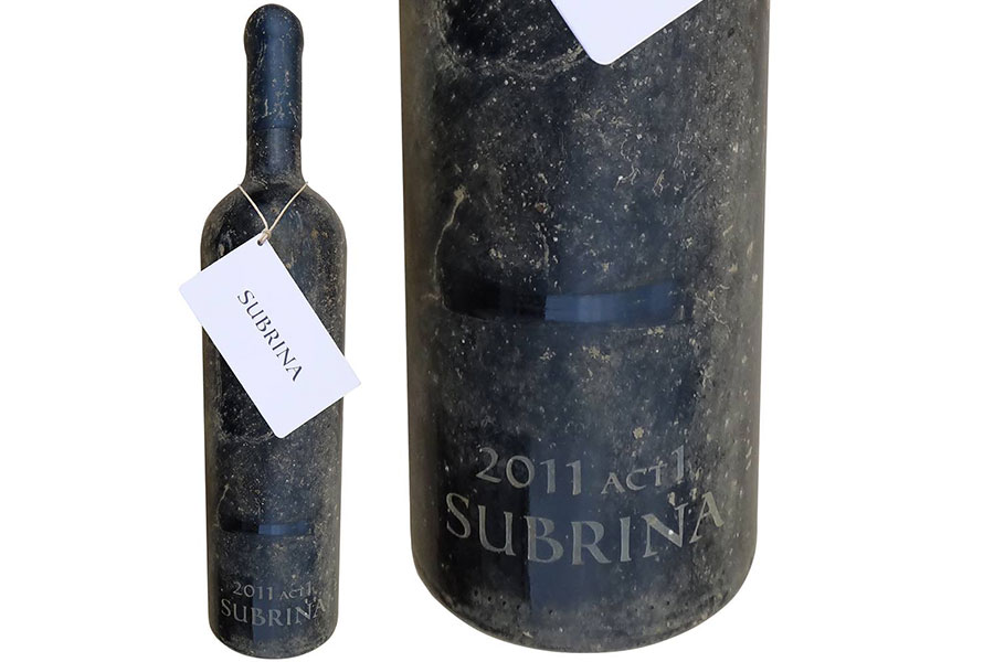 海底熟成ワインSUBRINA(サブリナ)